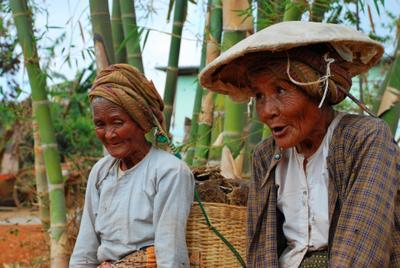Сестры. Кало, Мьянма ЮВА Мьянма
