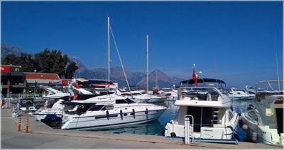 G-Marina в Кемере Турция Кемер порт бухта яхты море горы жара