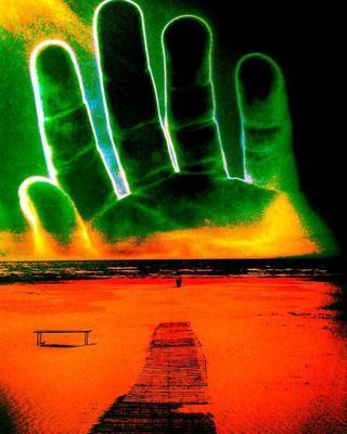 Рука на море рука море скамейка зелёный оранжевый пальцы