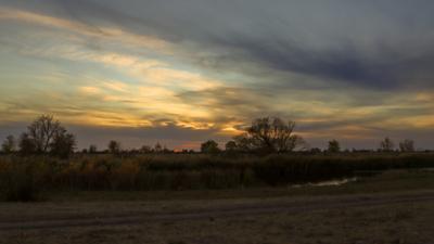 После заката небо закат облака красивые осень краски осени осенний пейзаж на реке берег река