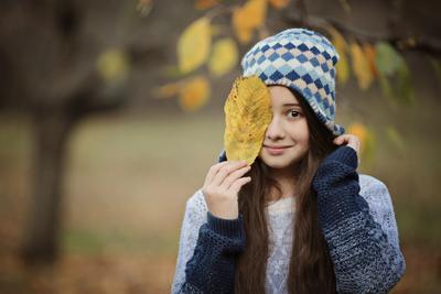 осень девочка лист осень