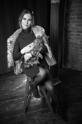 Портрет кошки и её хозяйки.