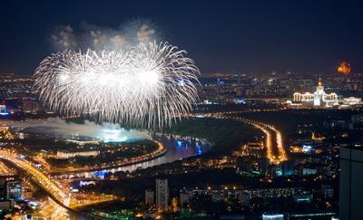 Pro фейерверки 9 мая фейерверк салют 9 мая праздник день Победы Москва Лужники Ленинские горы