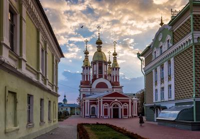 На утреннюю службу храм собор небо облака