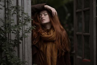 *** фотосессия фотосъемка фотосессиямосква фотографвмоскве фотосессияосенью оранжерея девушка рыжая