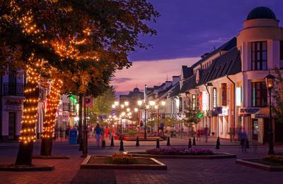 Бродвей :) Город вечер улица пешеходы
