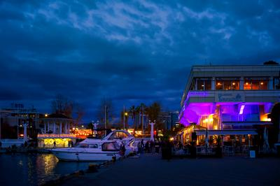 Январские зарисовки Сочи порт море гавань пейзаж город ресторан вечер красота катер яхта