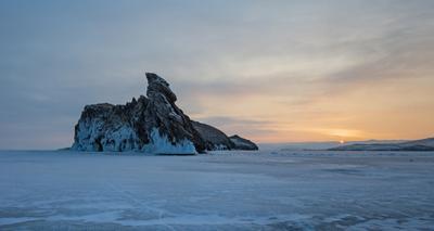 Утро Огоя Байкал Малое море Огой Ольхон лед пороши Март