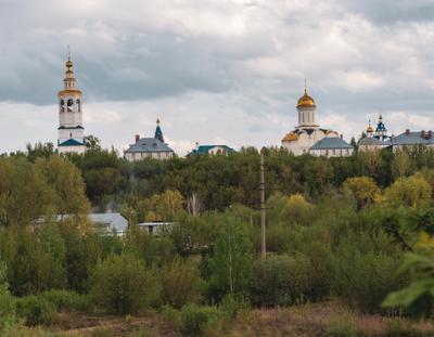 Монастырь Весна пейзаж архитектура природа деревья река монастырь