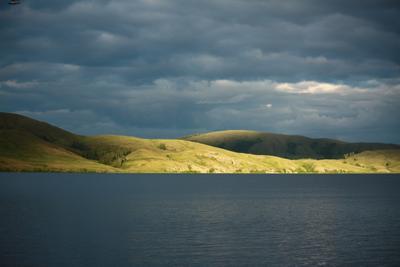 Противоположный берег озеро берег