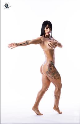 *** nude studio gim clave alta pose