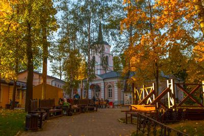 ***Покровская церковь в усадьбе Покровское-Стрешнево церковь покровское стрешнево москва осень октябрь