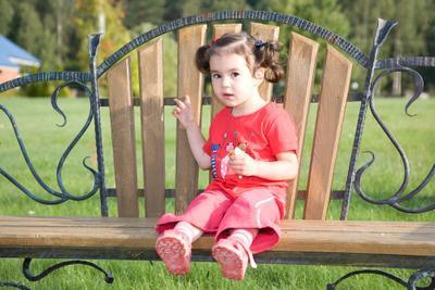 - скамейка, ребенок