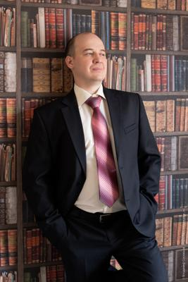 Юрий деловой портрет мужчина костюм уверенность