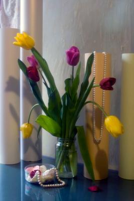 Всем прекрасным дамам: Девушкам, женщинам, бабушкам, мамам. первый праздник весны восьмое марта