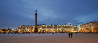 Вечерная Дворцовая площадь