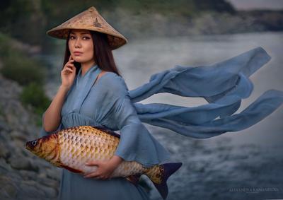 Девушка с рыбой Девушка портрет рыба рыбалка
