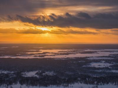 Над северной тайгой Печора Коми Закат Горы Сабля Приполярный Урал Югыд-Ва