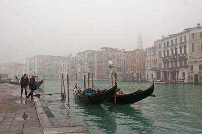 Утро на Гранд-канале Вода канал гондола Венеция Италия