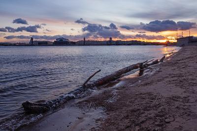 Вечер на берегах Невы река Нева Санкт-Петербург вечер закат
