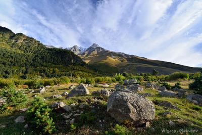 Высокое небо Дигории Кавказ Дигория горы небо камни облака Россия Северная Осетия ущелье