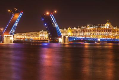 На берегу Невы 4 Санкт-Петербург Дворцовый мост Эрмитаж