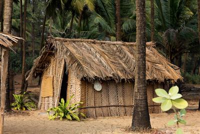 Hut, Paradise Beach***