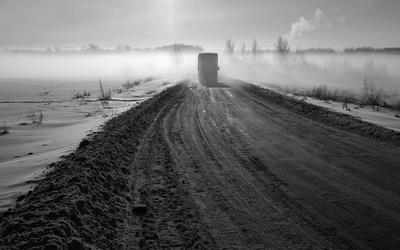 зимняя дорога в контражуре