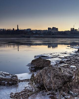 Ноябрь Уфа, Белая, монумент, утро