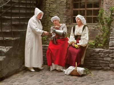 кумушки TATJANA STASSEVITS,женский портрет,костюм,старина,девушки