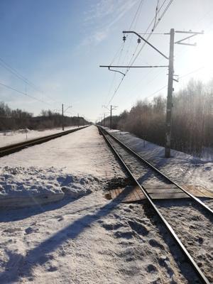В ожидании поезда Поезд платформа утро солнце март весна мороз природа деревня