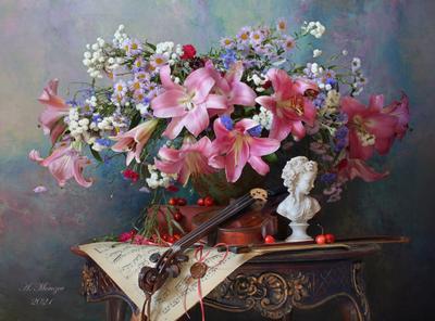 Натюрморт со скрипкой и цветами цветы девушка скульптура фрукты лилии ягоды