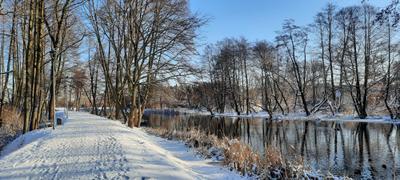 Река зимой Река зима снег Польша