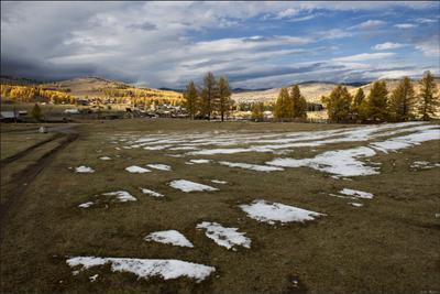 Алтайские зарисовки. Балыктуюль Горы облака снег деревоя село солнце