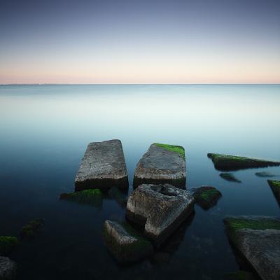 V for victory камни водоросли море вода горизонт небо Утро рассвет плиты квадрат минимализм длинная выдержка