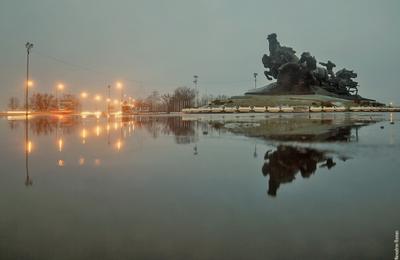 Тачанка ростов ростов-на-дону город архитектура отражение памятник вечер улица свет