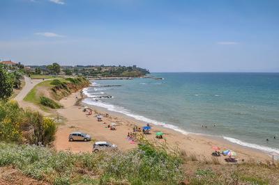 про лето путешествия греция туризм лето море пляж песок вода небо город