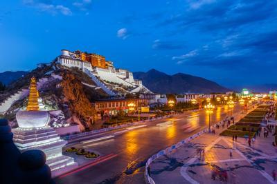 Огни Лхасы Тибет Лхаса Городской пейзаж дворец Потала