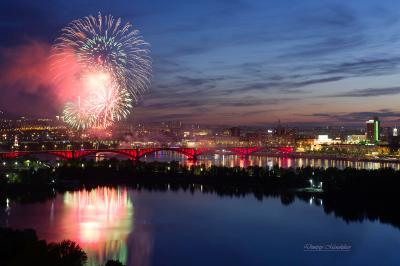 День города 2019 город Красноярск мост Сибирь универсиада вечер огни прогулка река фейерверк праздник
