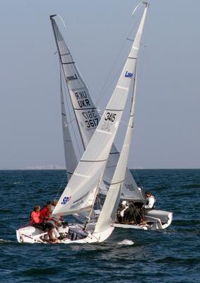 Правый-левый Яхты, море, гонка