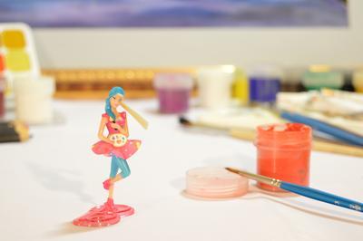 Барби-художница игрушка