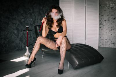 Cool babe красивая девушка крутая дым элегантная