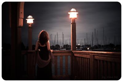 Вечерний променаж нось, фонарь, девушка
