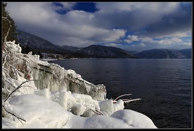 Телецкое озеро. Яйлю. телецкое озеро.ю яйлю солнце.ю лед