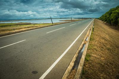 По дороге из Нувара-Элии в Матару Шри-ланка дорога парк перспектива