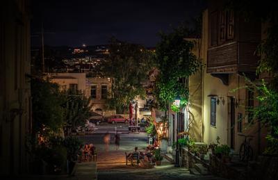 Вечер в Греции город греция путешествие туризм улица ночь