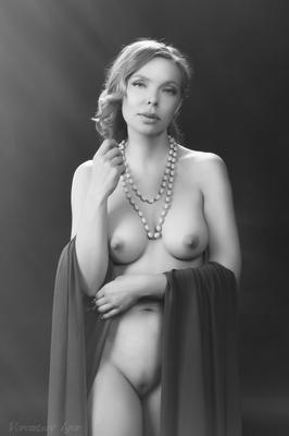 *** девушка ню грудь обнажённая красивая голая