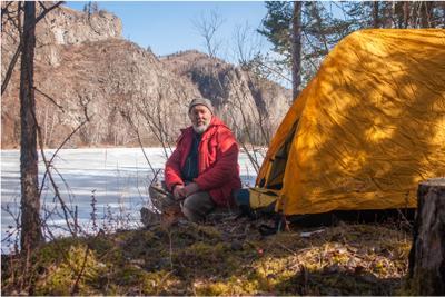Фотограф, на время ставший моделью Хакасия путешествие туризм река Белый Июс палатка горы весна фотосессия человек фотомодель фотографновосибирск mamanna2007