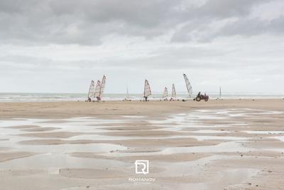 Brethren of the Sand Dunes Cost - Береговое братство Песчаных дюн Пляж Песок Море Береговая линия На открытом воздухе Небо Природа Англия Великобритания Лето Воды Синий Отдых песчаная яхта Франция Довиль Кальвадос канал Английский Ла-Манш Трувиль-сюр-Мер дюны