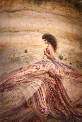 Гуляя ветром по пустыне .. пески карьер брюнетка.портрет кудрявая афро кудри